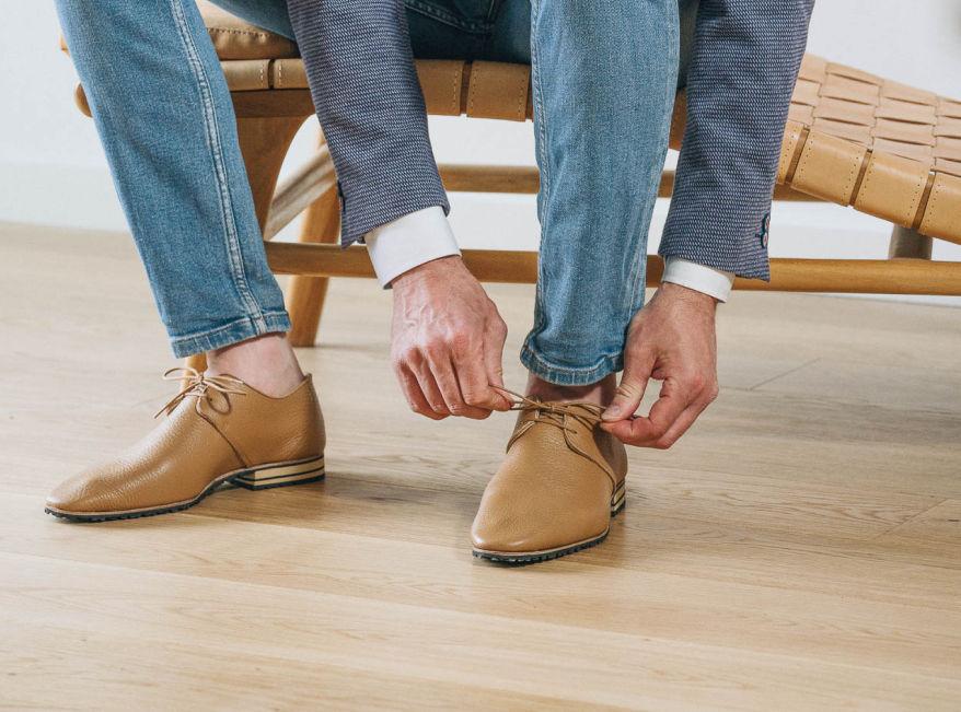 Unsere handgefertigten Schuhe aus zertifiziertem Leder bieten ein angenehmes Tragegefühl, auch barfuß